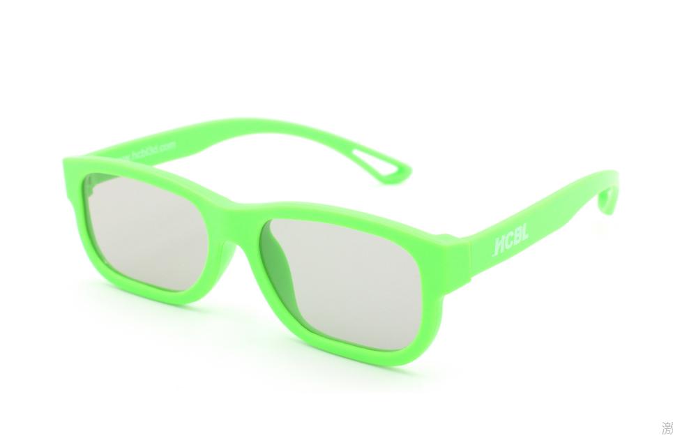 3D очки в пластиковой оправе